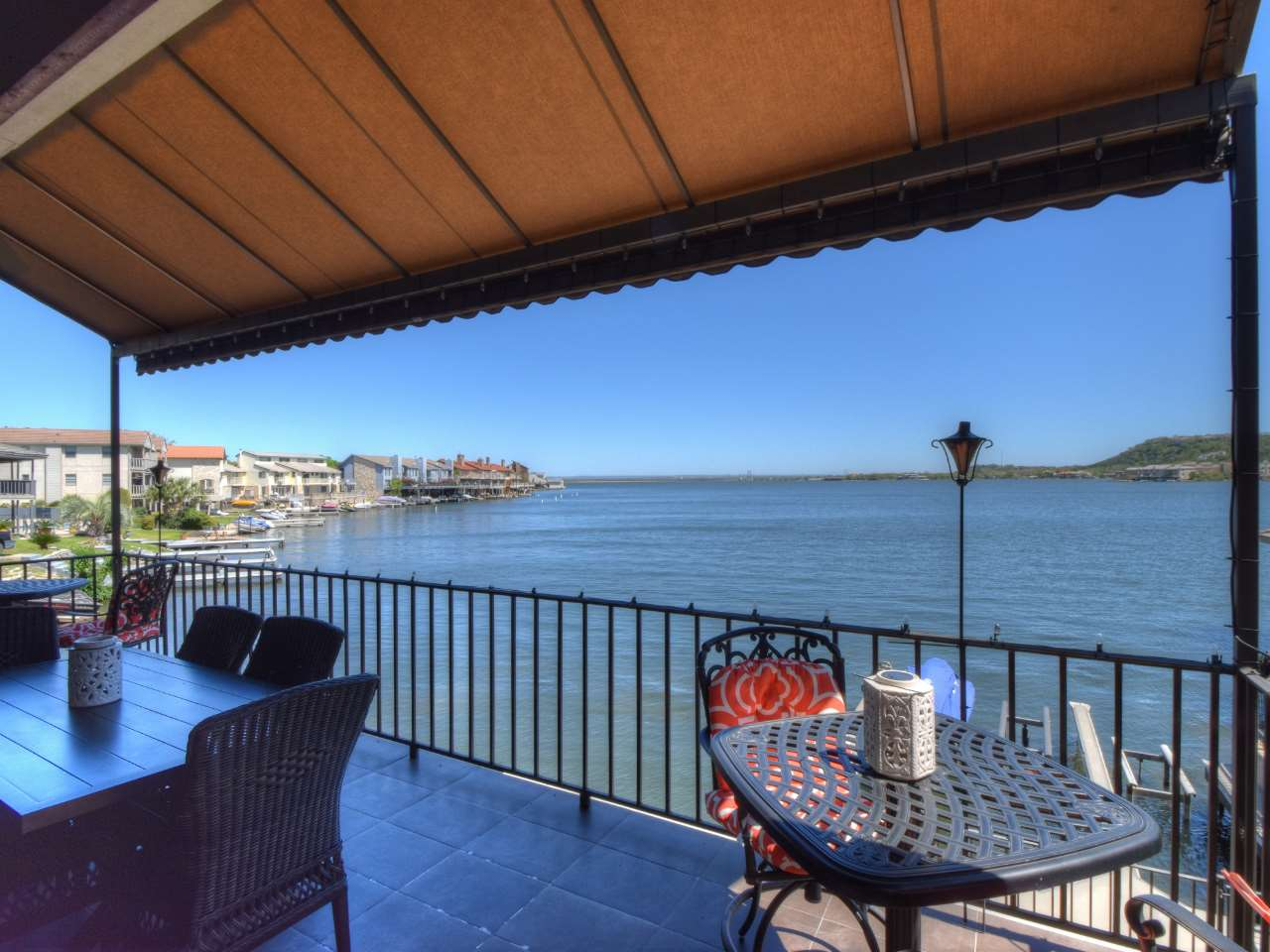 Additional photo for property listing at 106 Cove East #D  Horseshoe Bay, Texas 78657 United States
