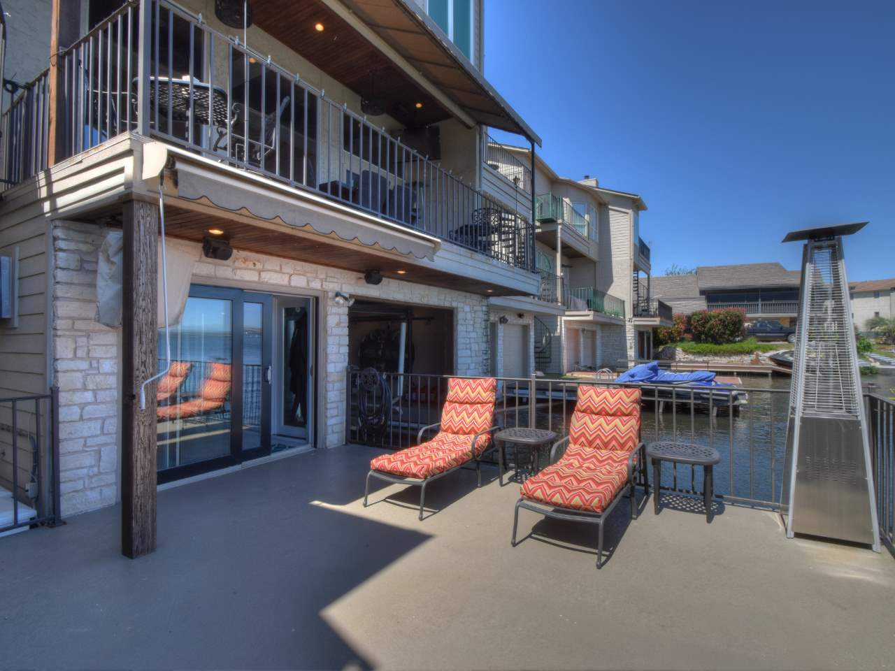Additional photo for property listing at 106 Cove East #D  Horseshoe Bay, Texas 78657 Estados Unidos