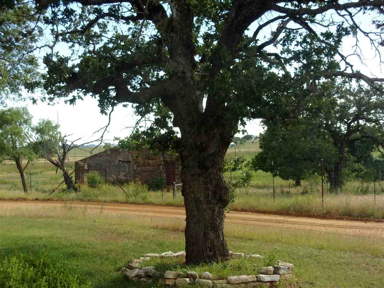 Additional photo for property listing at 180 FIELD CREEK LANE  Pontotoc, Texas 76869 United States