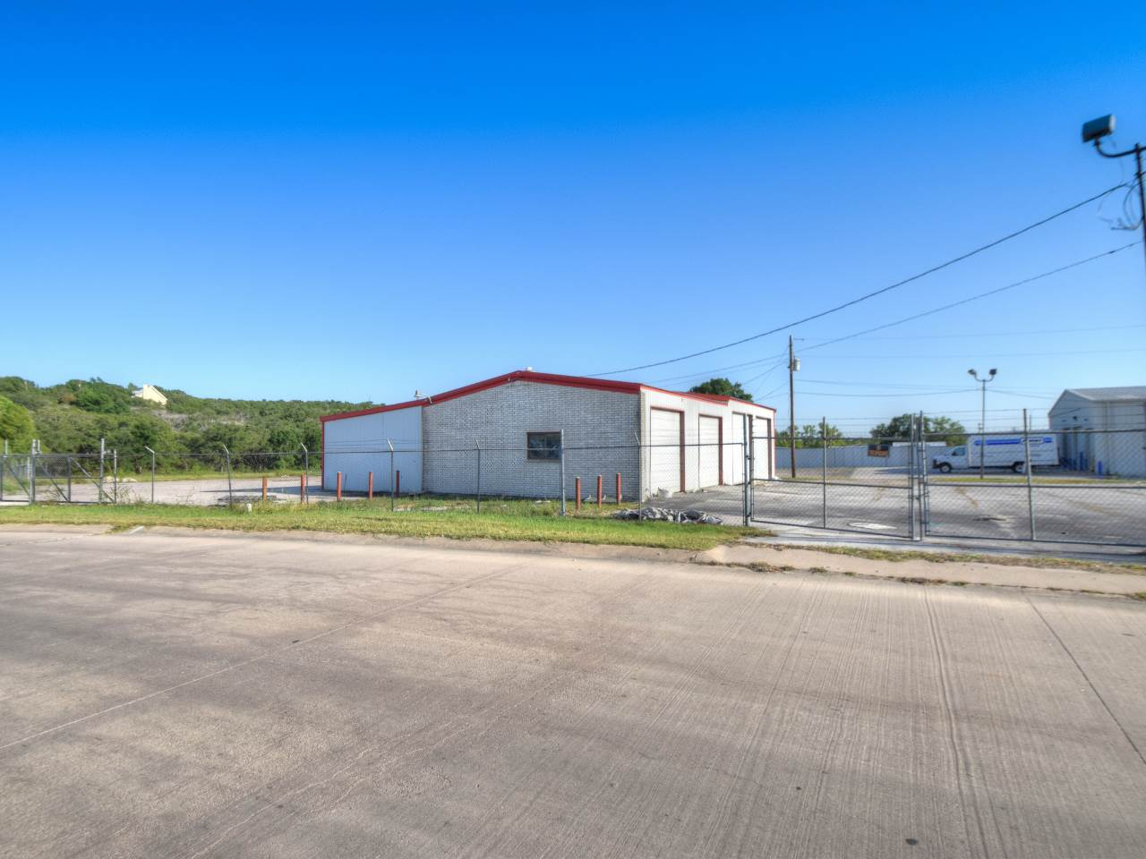 Additional photo for property listing at 2009 N Highway 281  Marble Falls, Texas 78654 Estados Unidos