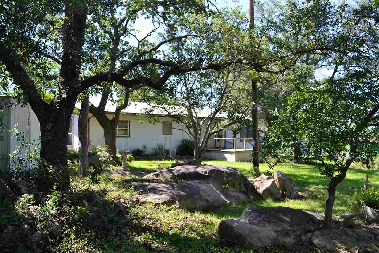 Additional photo for property listing at 716 N Chaparral  Burnet, Texas 78611 Estados Unidos
