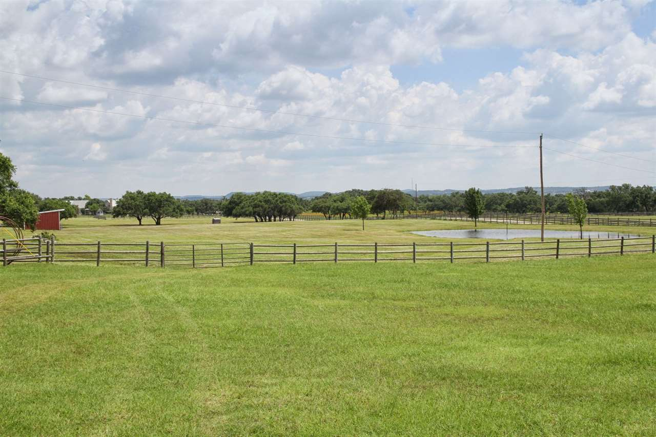 Single Family Home for Sale at 813 Rustic Lane 813 Rustic Lane Spicewood, Texas 78669 United States
