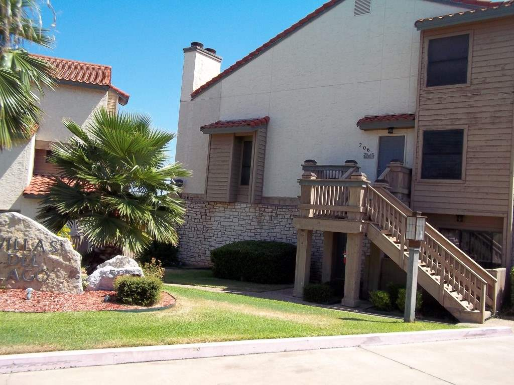 Condominio por un Venta en 509 Short Circuit #206 Horseshoe Bay, Texas 78657 Estados Unidos