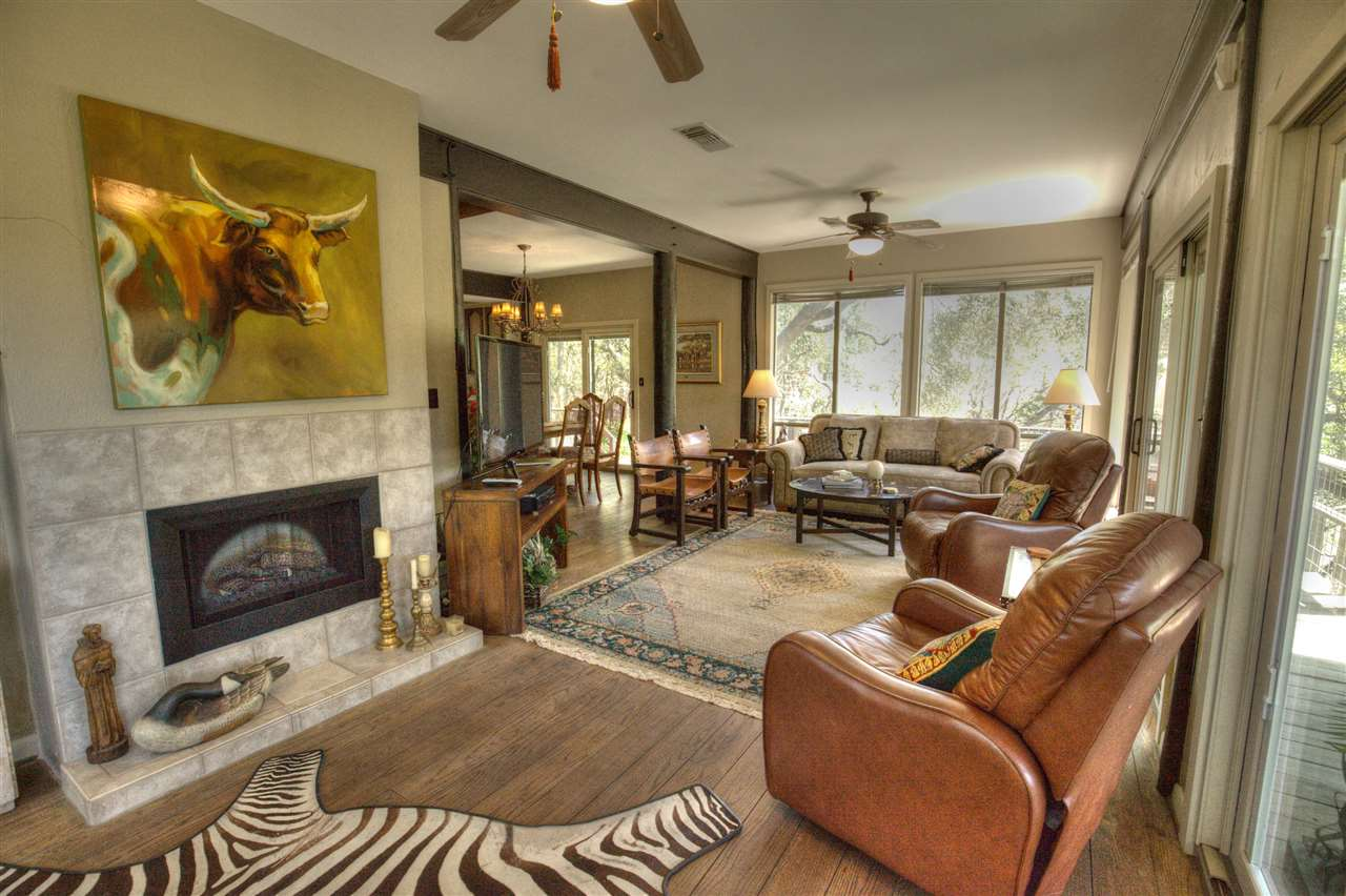 Additional photo for property listing at 400 CR 1492 Road  Wimberley, Texas 78676 Estados Unidos