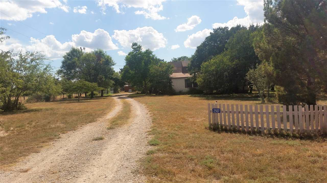 Additional photo for property listing at 2507 BCR 111  Lampasas, Texas 76550 United States