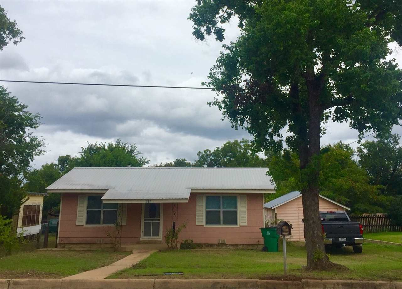Single Family Home for Sale at 505 E Sandstone Street Llano, Texas 78643 United States