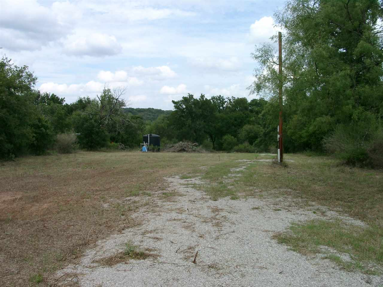 Additional photo for property listing at 797 Glendale Road  Spicewood, Texas 78654 Estados Unidos