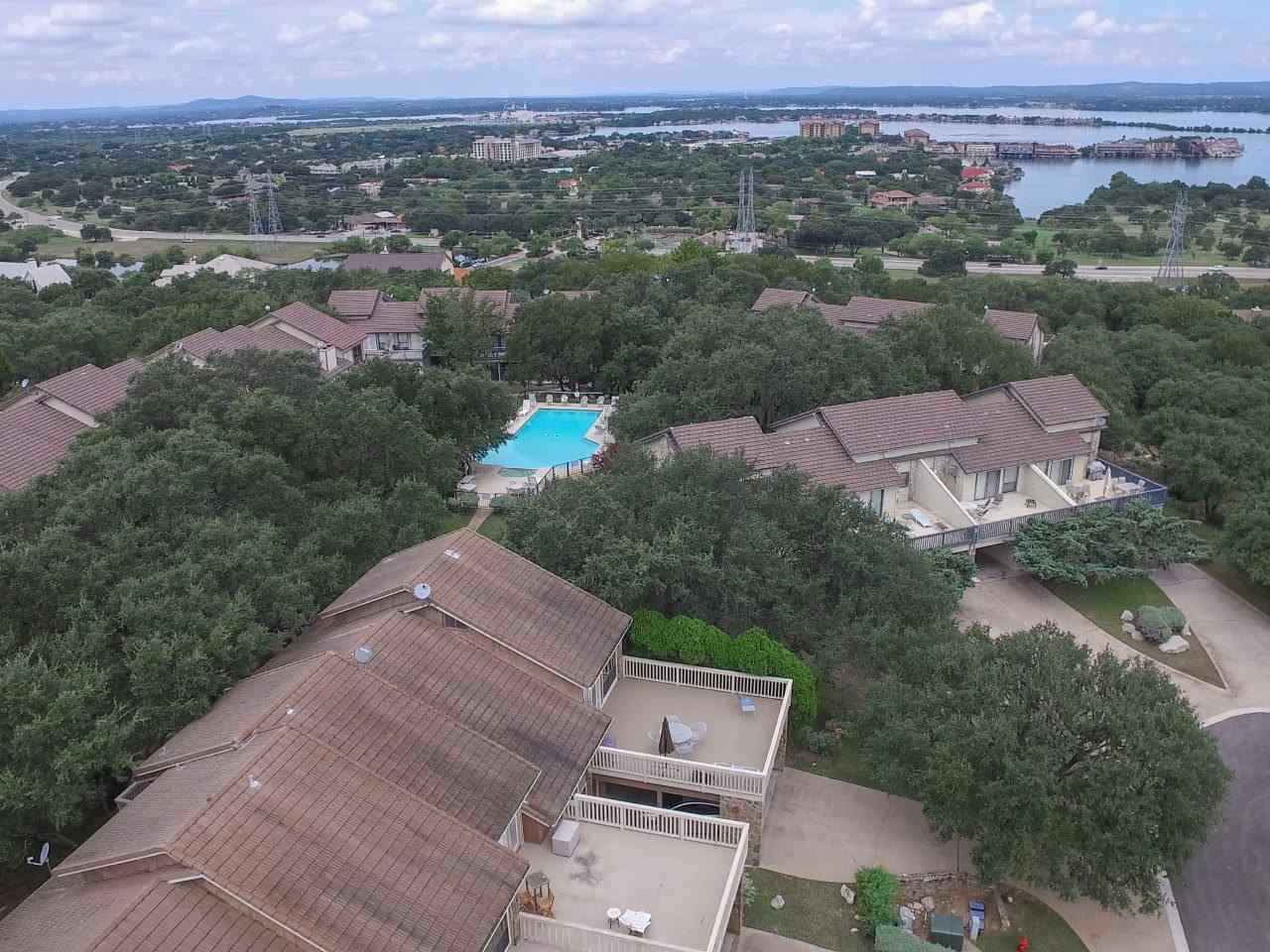 Additional photo for property listing at 320 Twin Sails #25  Horseshoe Bay, Texas 78657 United States