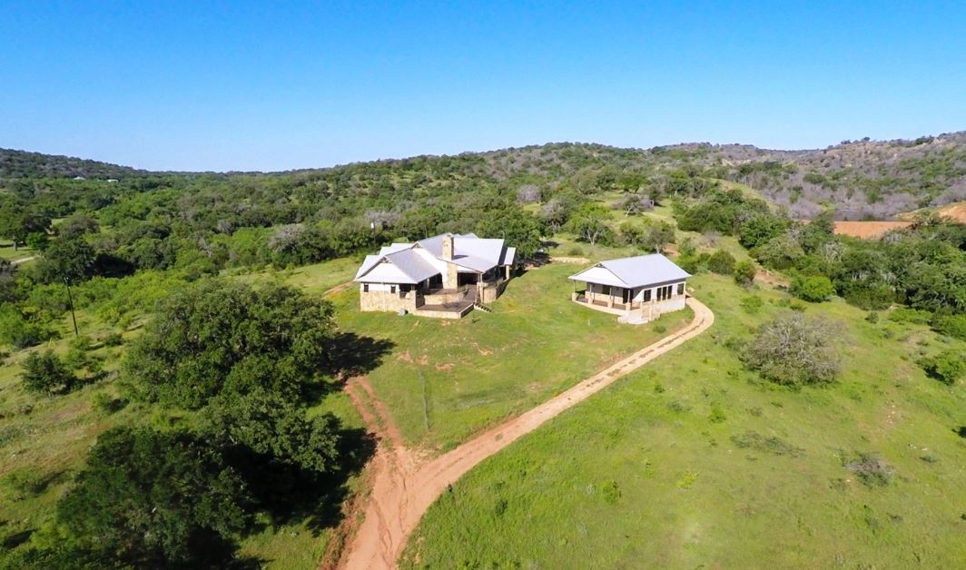 Single Family Home for Sale at 108 Triple Creek Llano, Texas 78643 United States