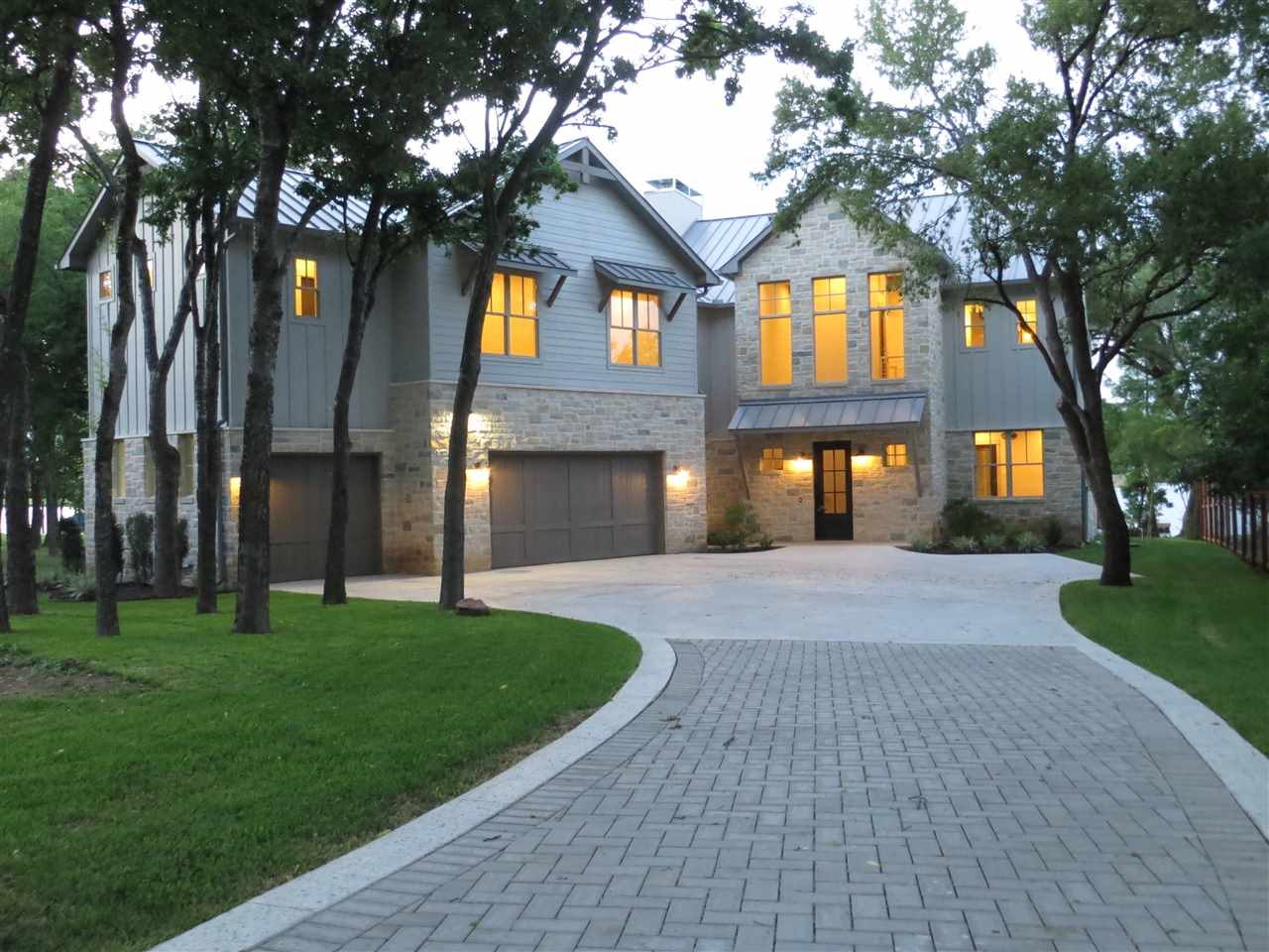 Casa Unifamiliar por un Venta en 130 KINGFISHER Trail Kingsland, Texas 78639 Estados Unidos