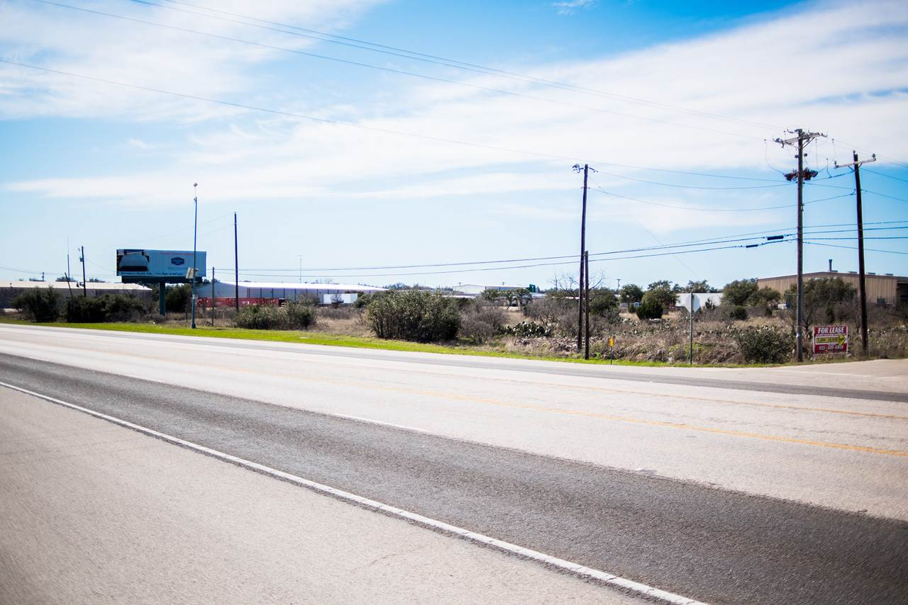 Additional photo for property listing at Highway 281 N. Highway 281 N. Marble Falls, Texas 78654 Estados Unidos