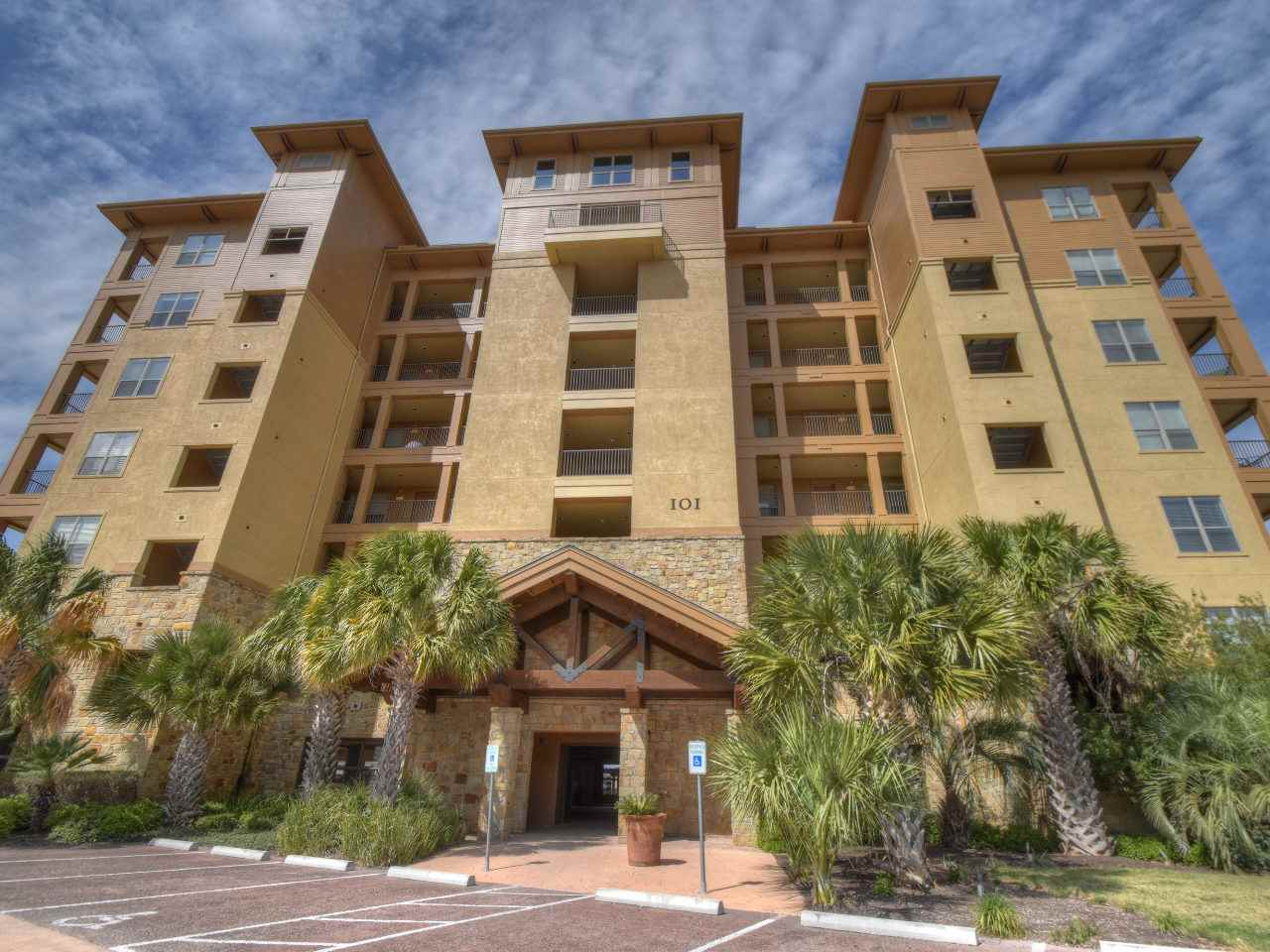 Condominium for Sale at 101 West Bank #23 101 West Bank #23 Horseshoe Bay, Texas 78657 United States