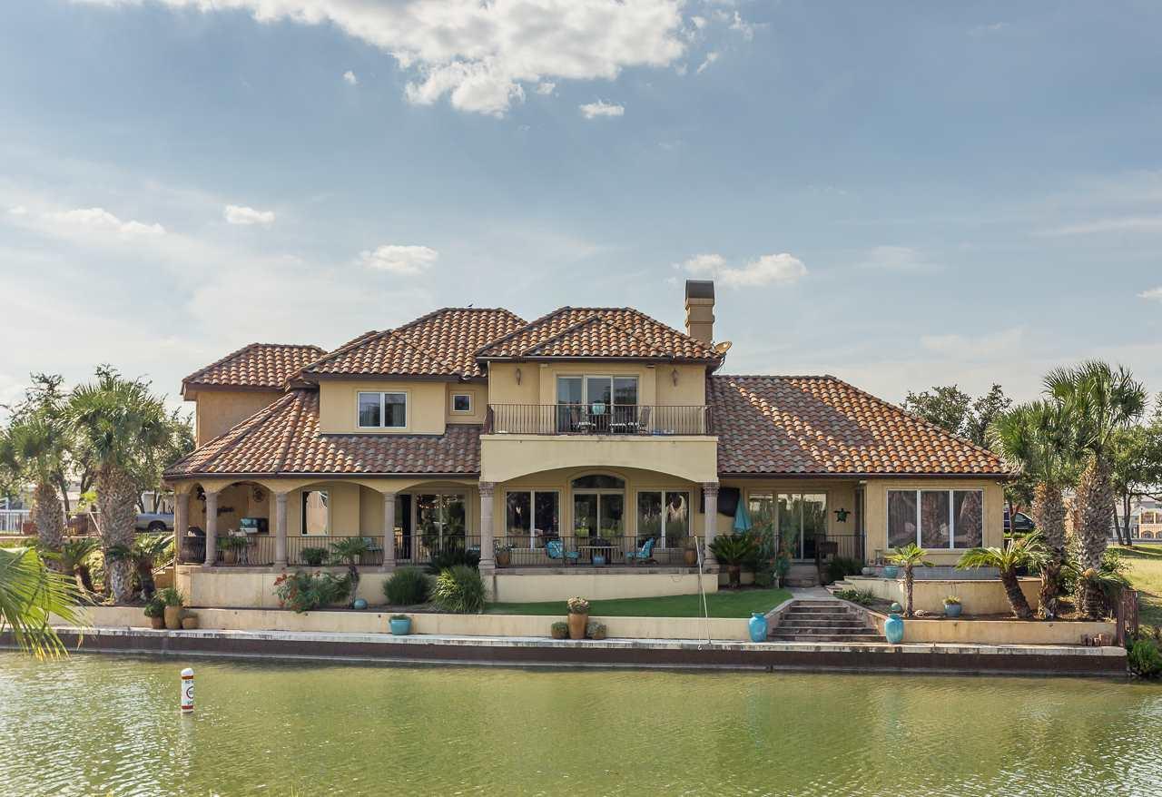 Vivienda unifamiliar por un Venta en 301 Matern Court 301 Matern Court Horseshoe Bay, Texas 78657 Estados Unidos