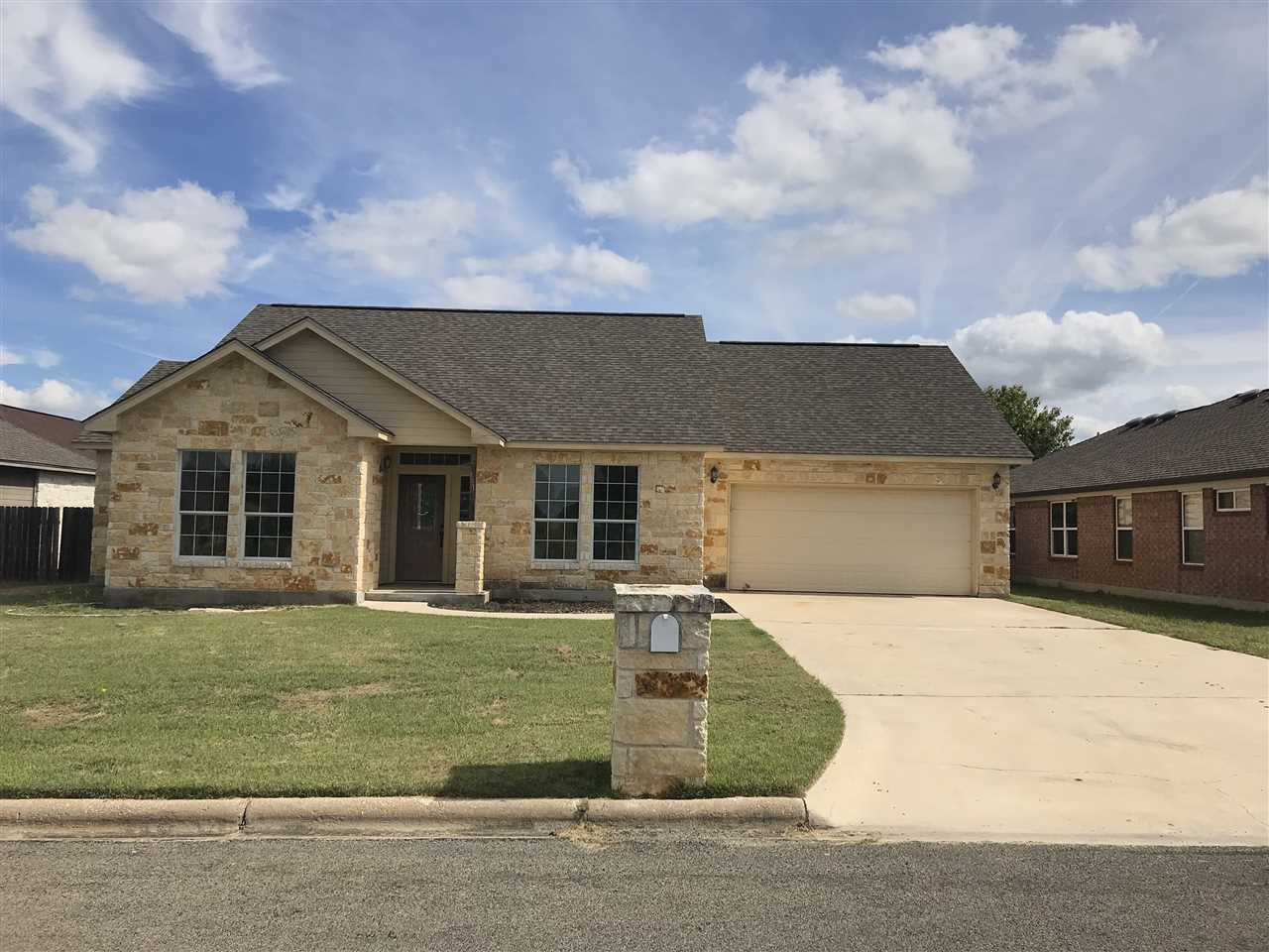 Single Family Home for Sale at 141 Marion Street 141 Marion Street Meadowlakes, Texas 78654 United States