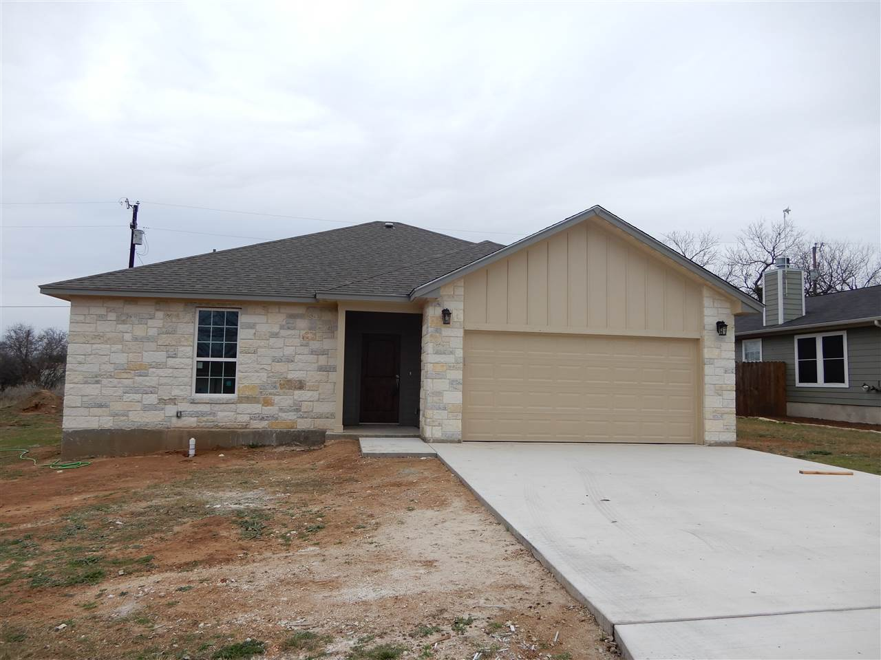 Single Family Home for Sale at 857 Pecan Lane 857 Pecan Lane Cottonwood Shores, Texas 78657 United States