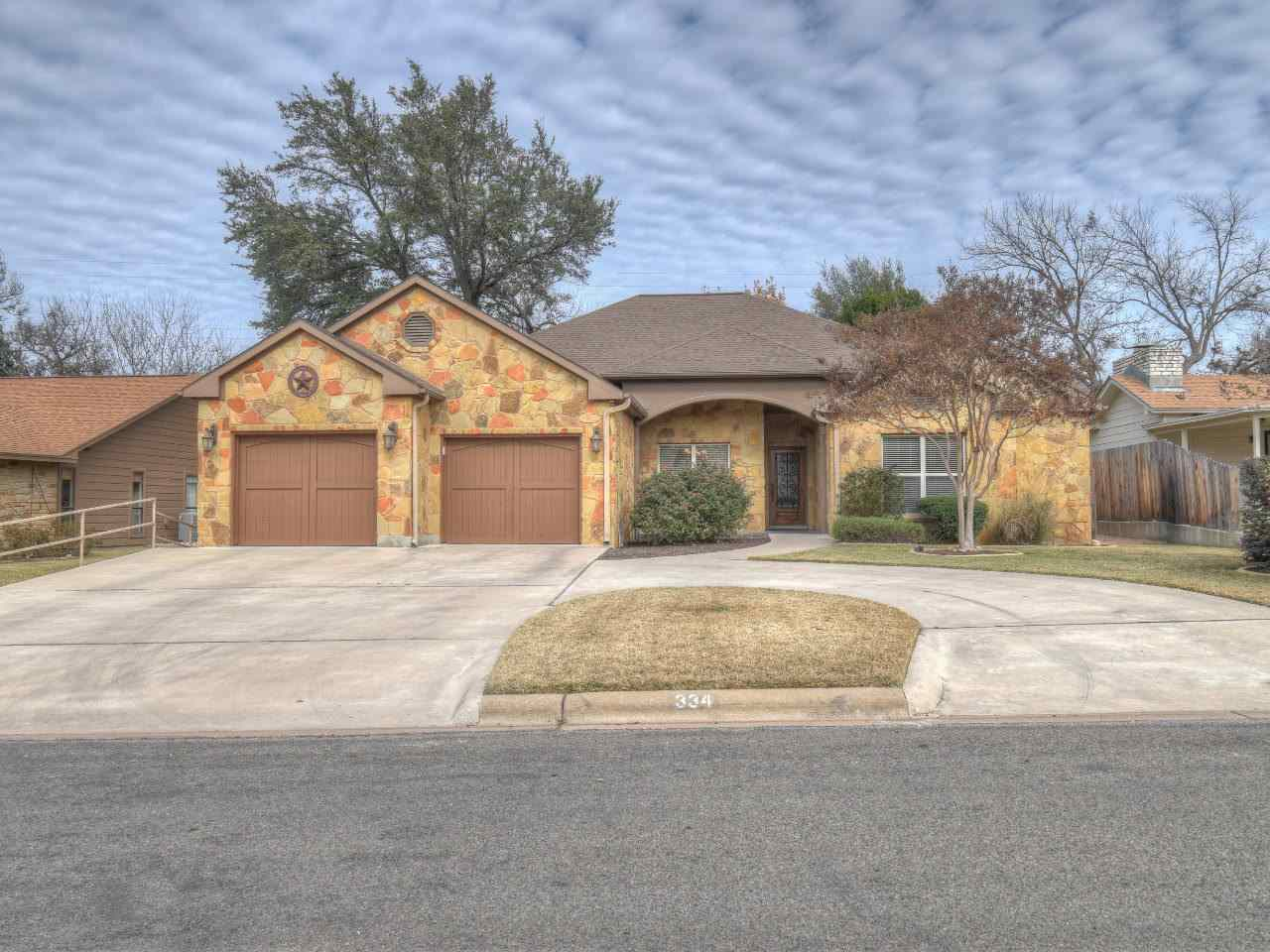 Single Family Home for Sale at 334 Stewart Street 334 Stewart Street Meadowlakes, Texas 78654 United States