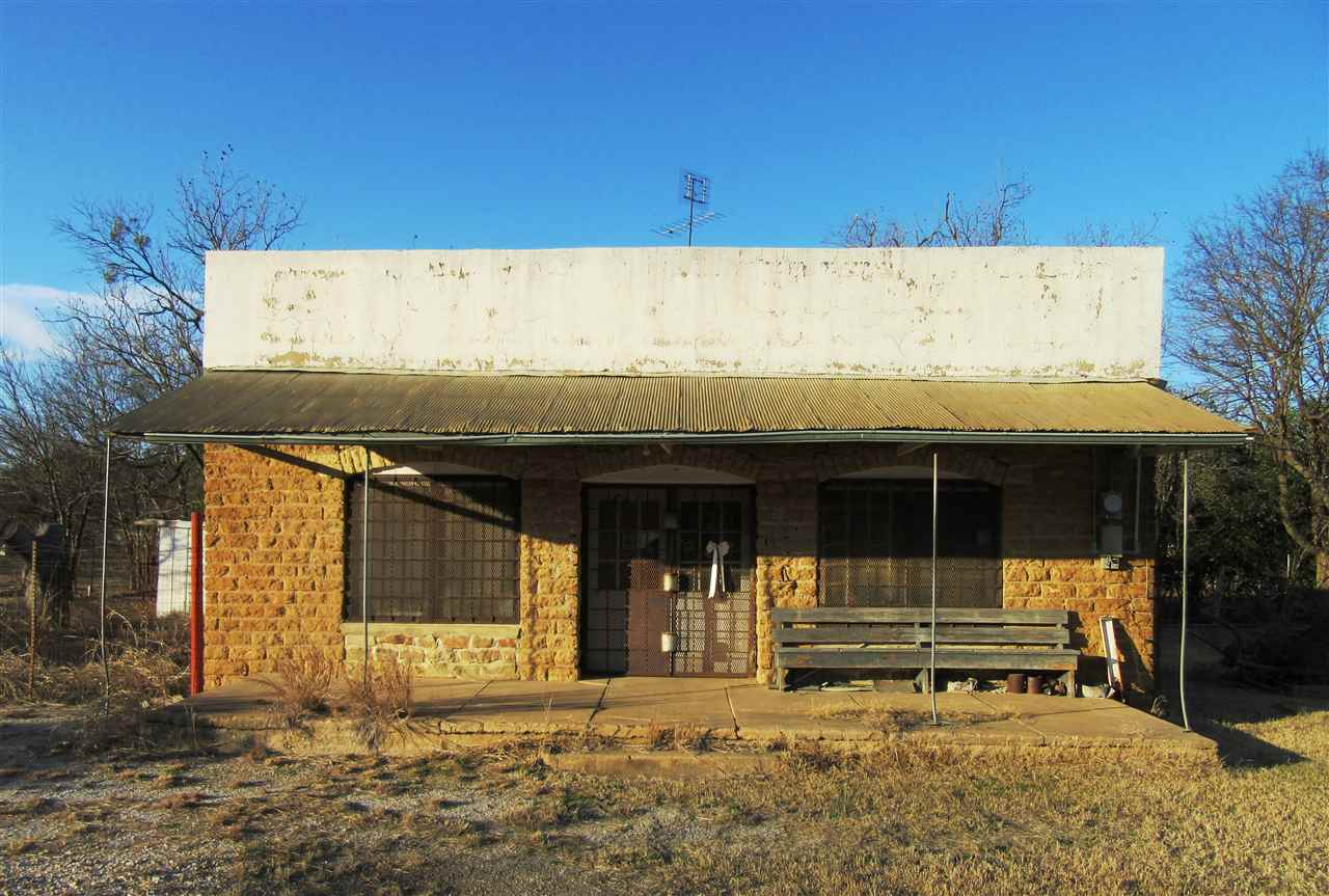 Comercial por un Venta en 117 W Cherokee Street 117 W Cherokee Street Cherokee, Texas 76832 Estados Unidos