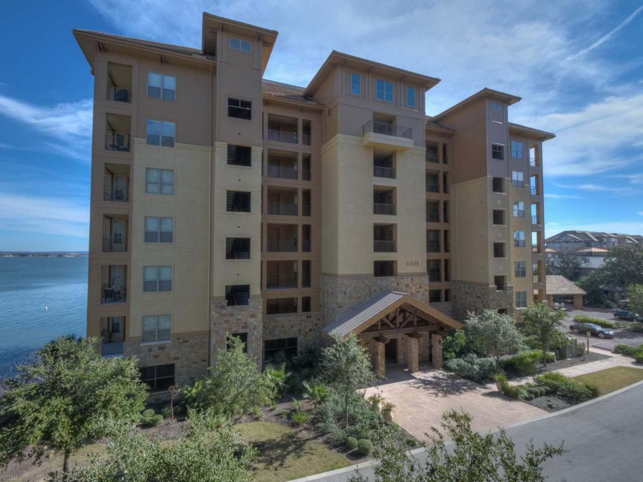 Condominio por un Venta en 1001 The Cape #31 1001 The Cape #31 Horseshoe Bay, Texas 78657 Estados Unidos