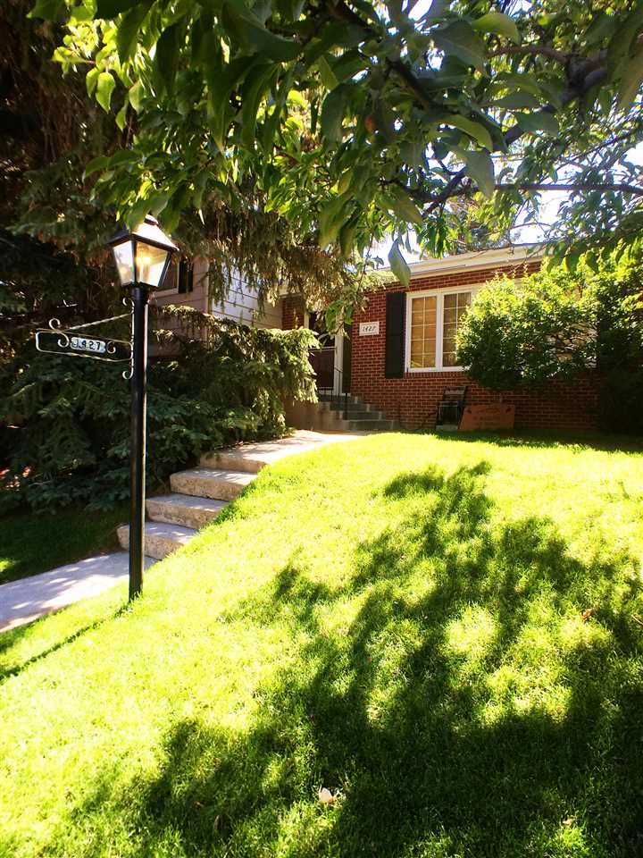 1427 Bridger St., Laramie, WY 82070