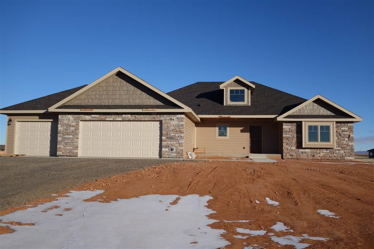 821 Rampart Rd, Laramie, WY 82070