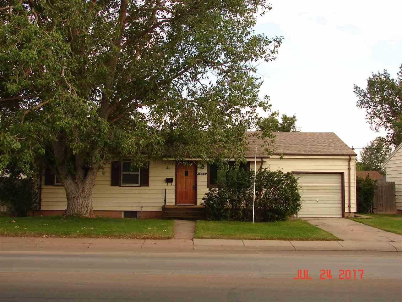 816 Reynolds St, Laramie, WY 82072