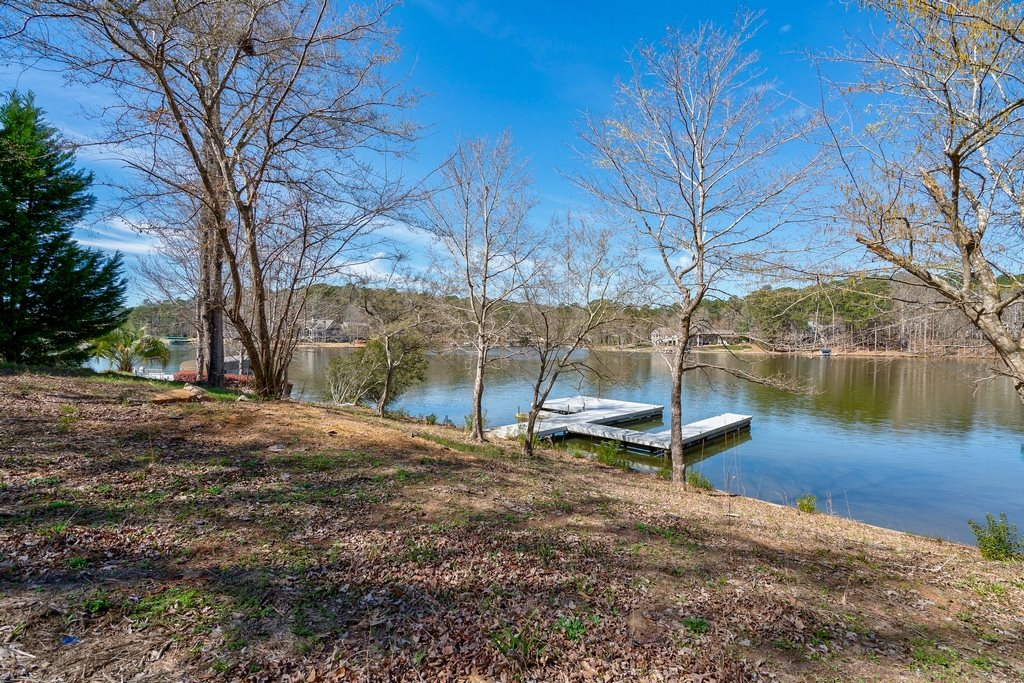1361 LIGHTHOUSE CIRCLE AS, one of homes for sale in Lake Oconee Harbor Club