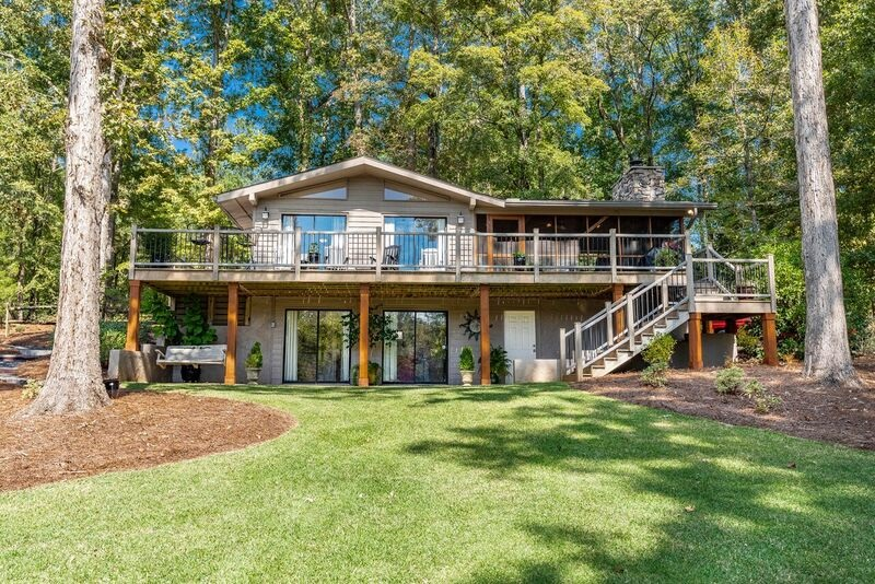 105 LAKESIDE DRIVE, Lake Oconee in Putnam County, GA 30625 Home for Sale