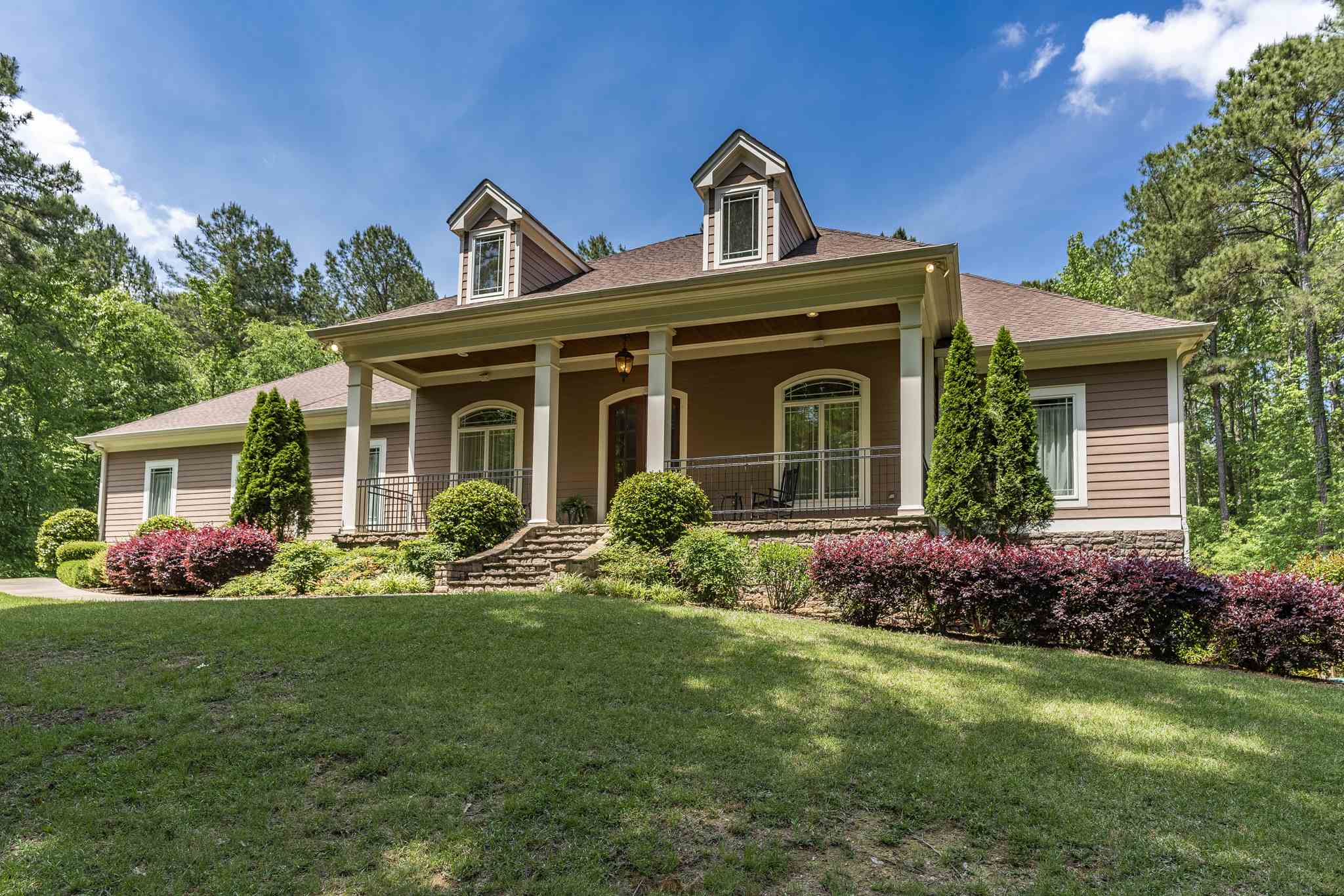 One of Lake Oconee 5 Bedroom Homes for Sale at 1071 FOREST HEIGHTS