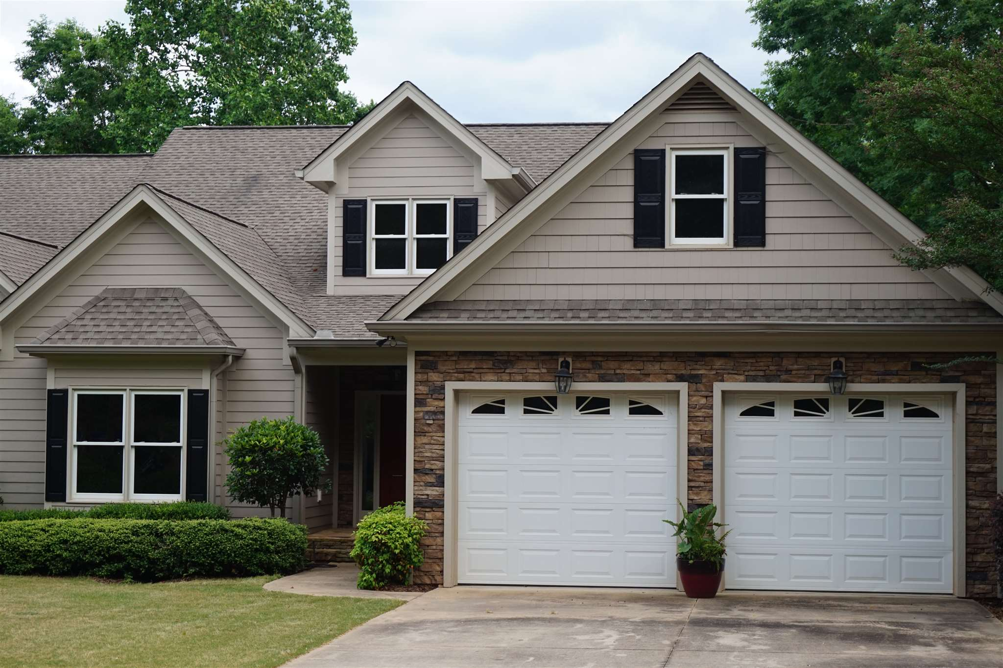 One of Lake Oconee 4 Bedroom Homes for Sale at 1562 VINTAGE CLUB DRIVE