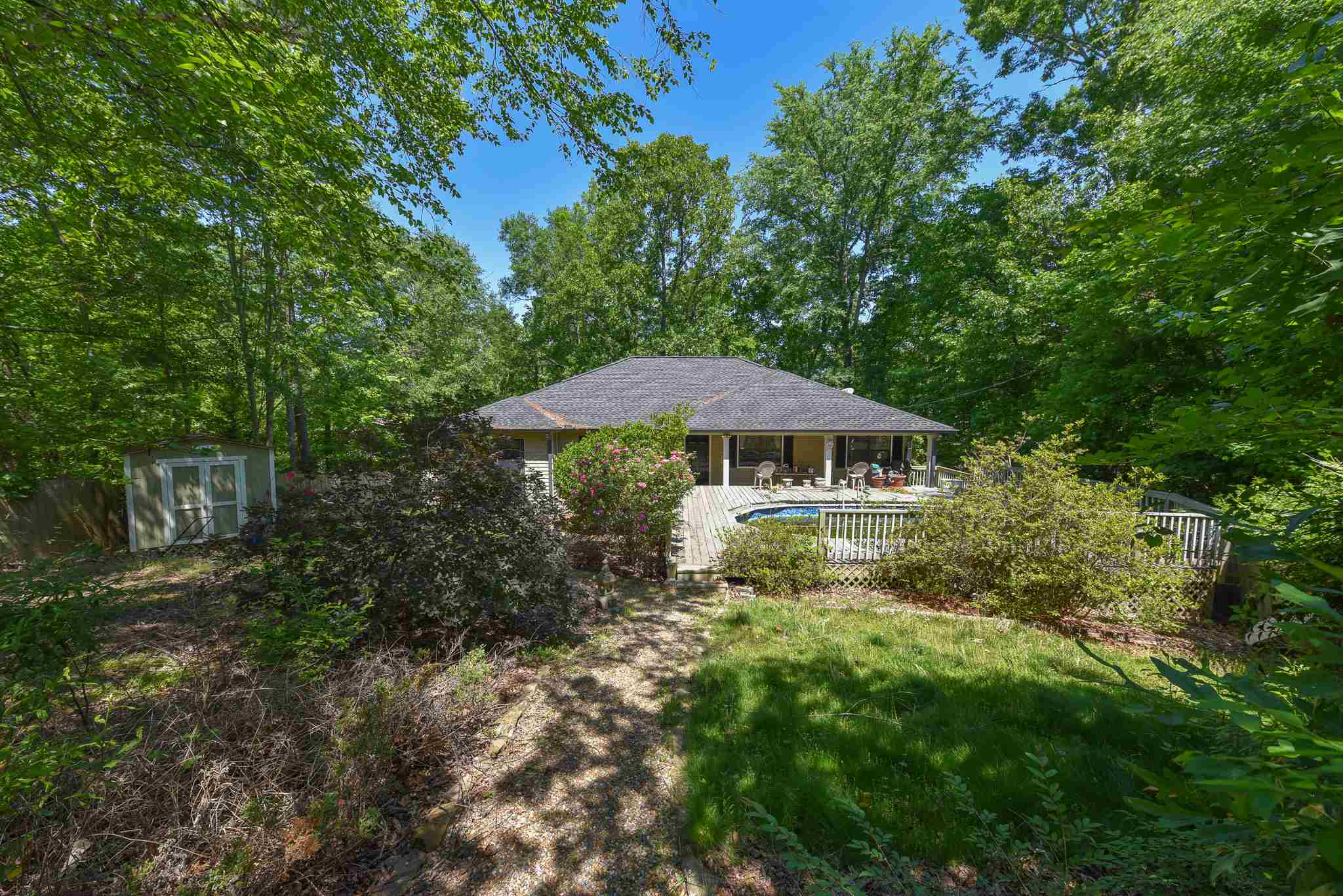 106 N BLUEGILL, Lake Oconee in Putnam County, GA 31024 Home for Sale