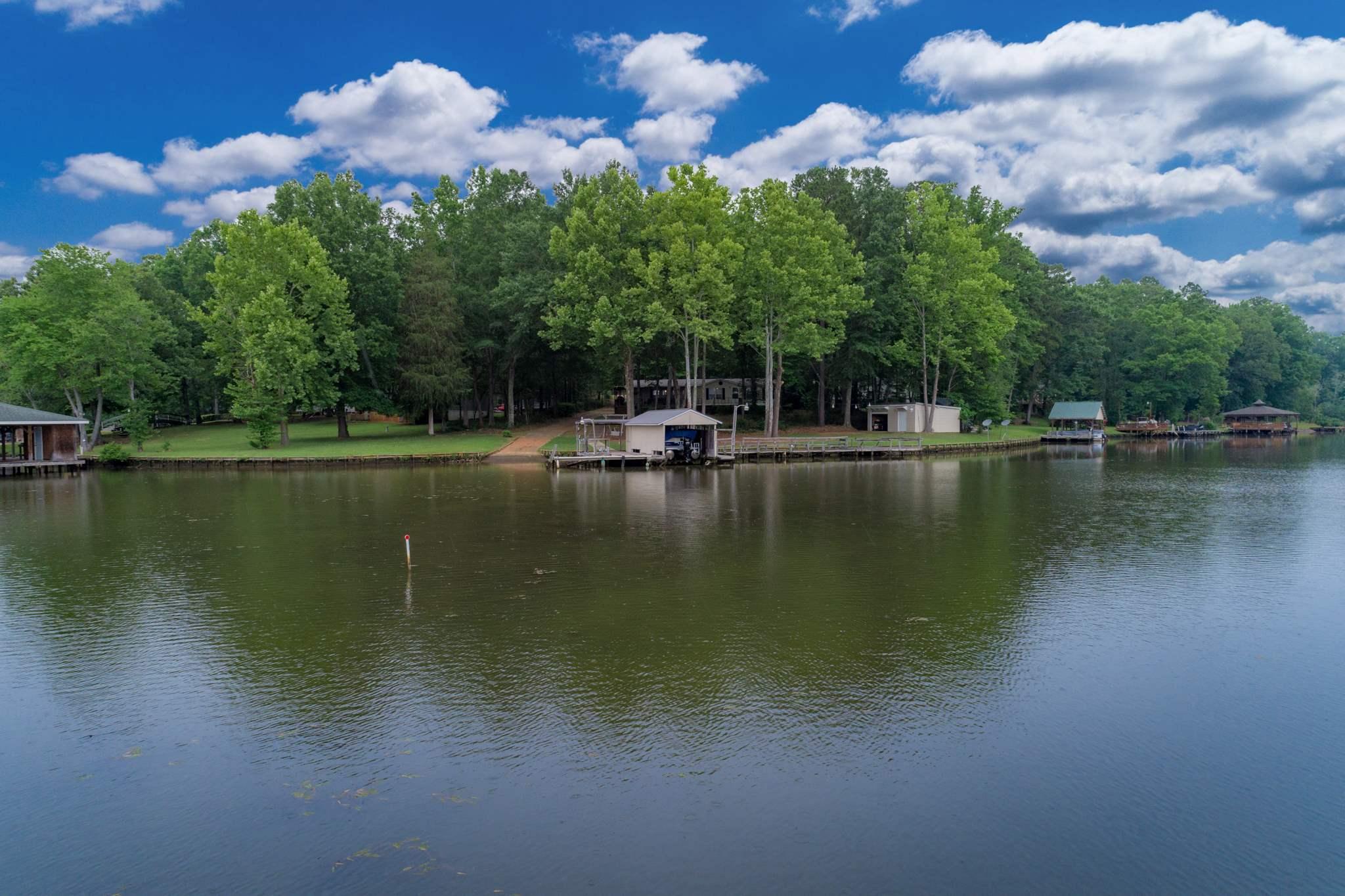 81 DOGWOOD COURT, Lake Sinclair, Georgia