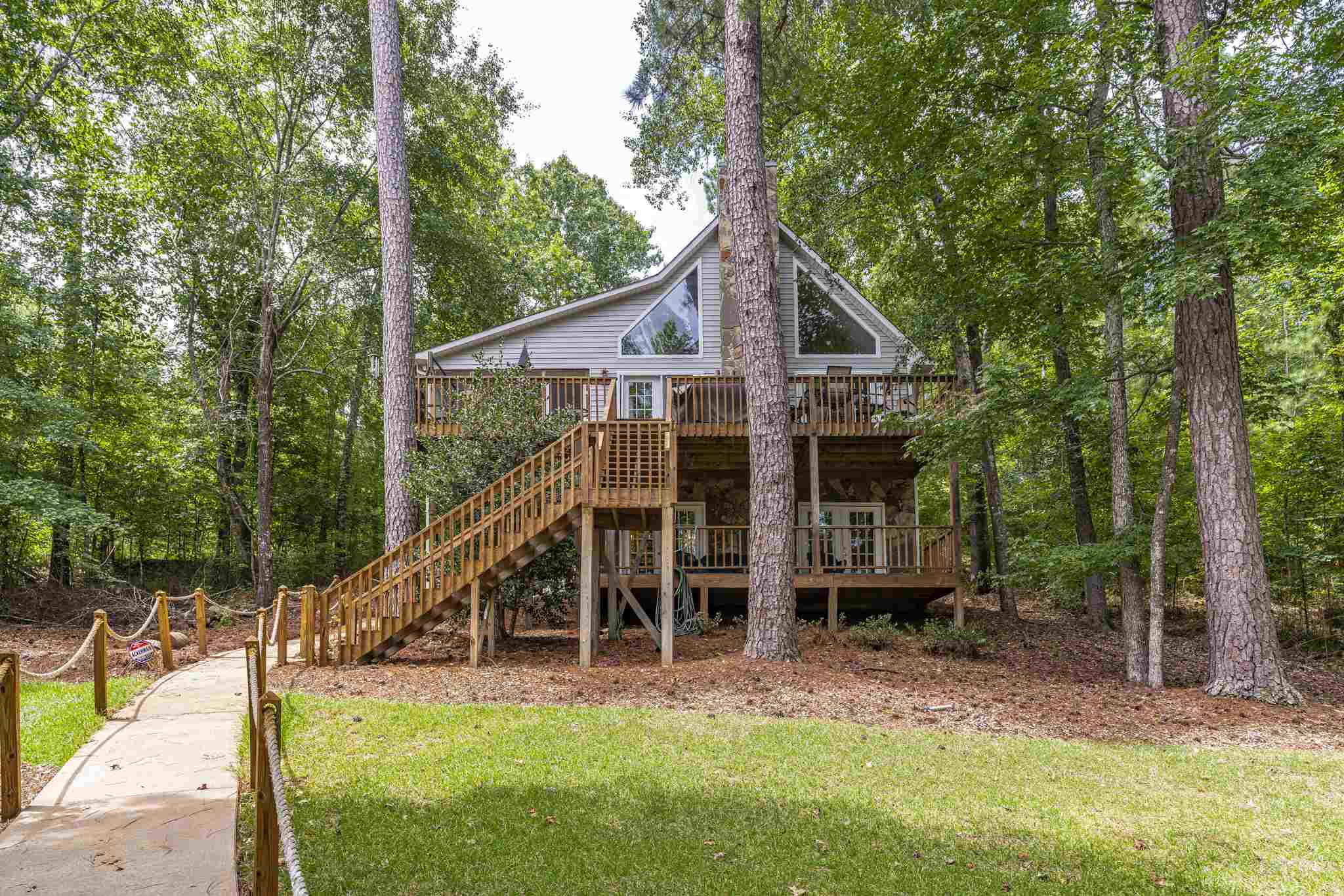 389 BLUEGILL ROAD, Lake Sinclair, Georgia