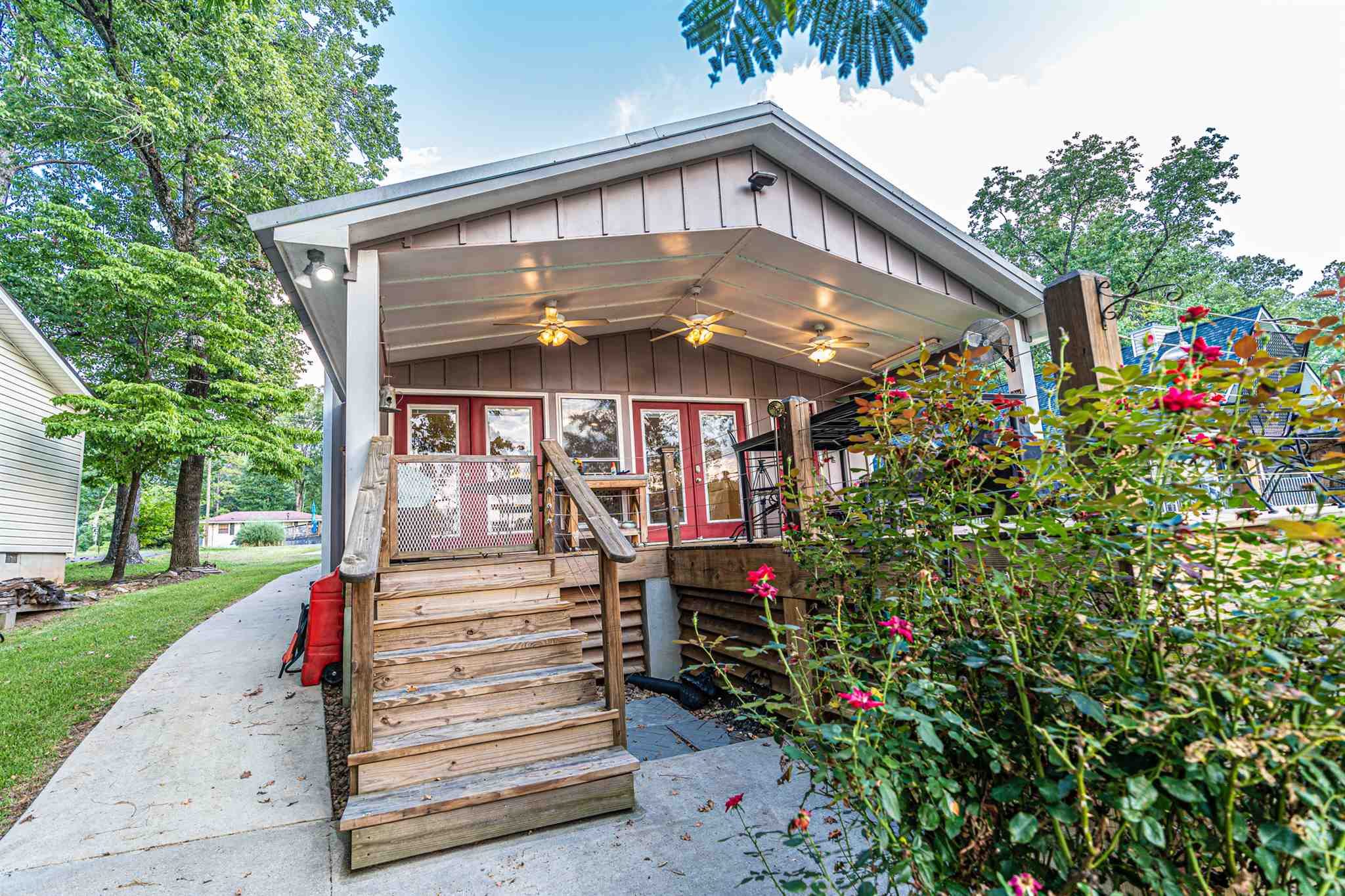 327 SHELTON DRIVE, Lake Oconee in Putnam County, GA 31024 Home for Sale