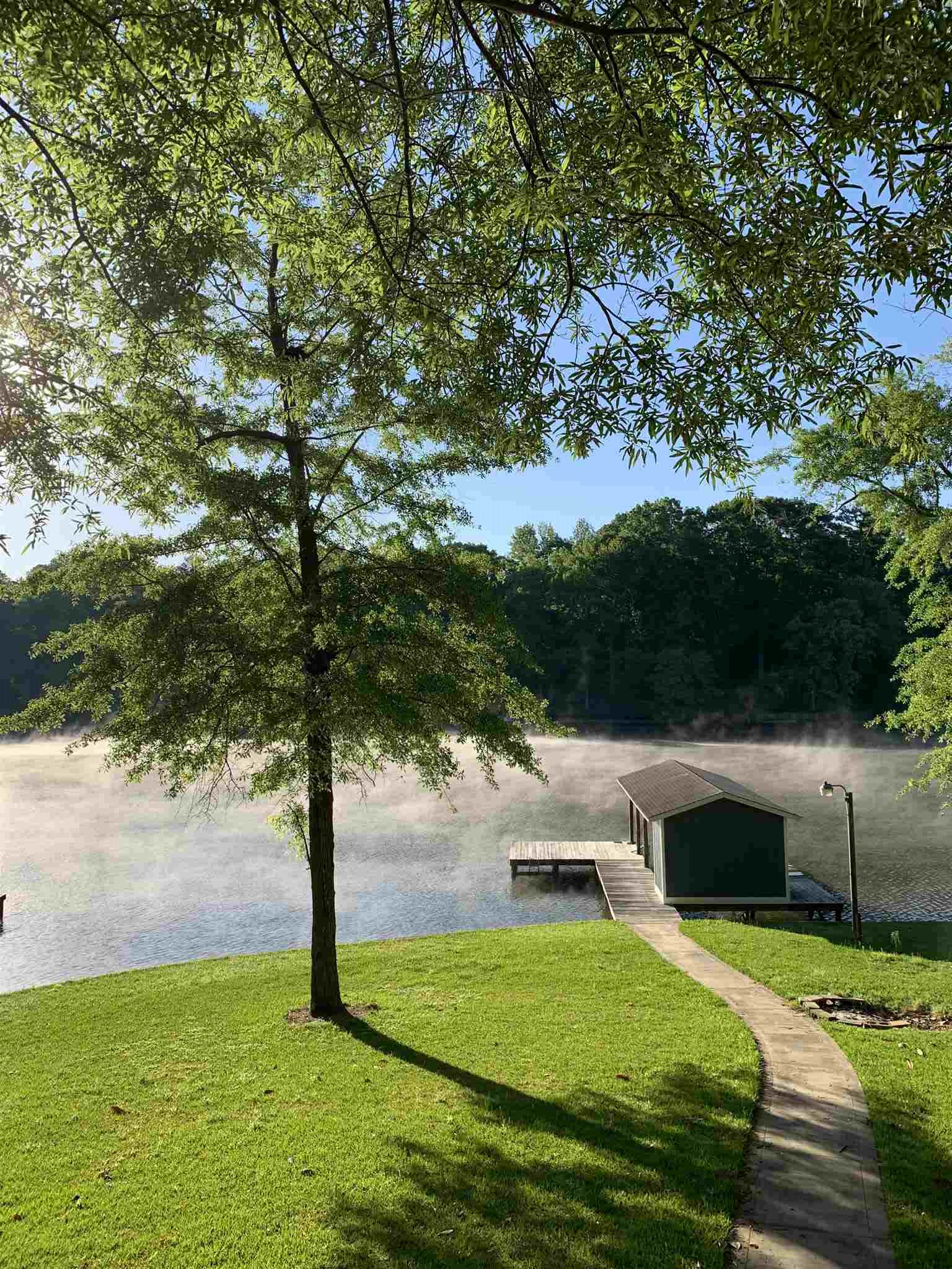 132A BEAR CREEK ROAD, Lake Sinclair in Putnam County, GA 31024 Home for Sale