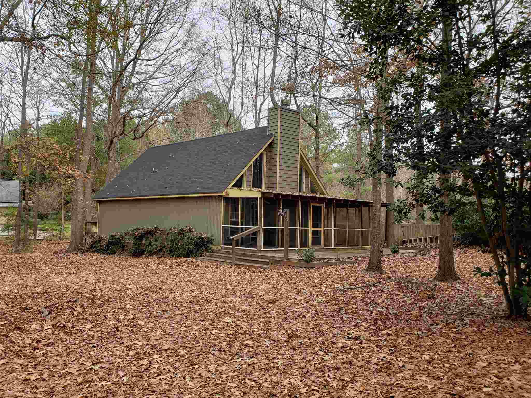 132 LAKEMORE DRIVE, Lake Oconee in Putnam County, GA 31024 Home for Sale