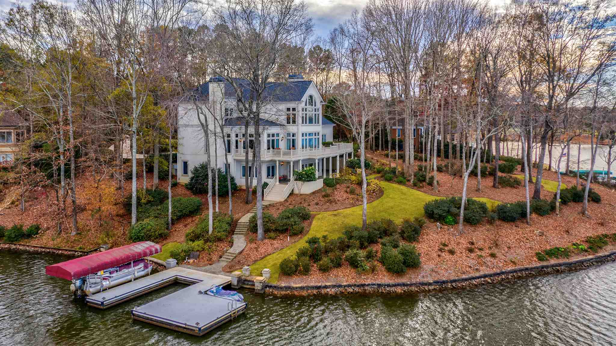 104 KNOLLWOOD COURT, one of homes for sale in Lake Oconee