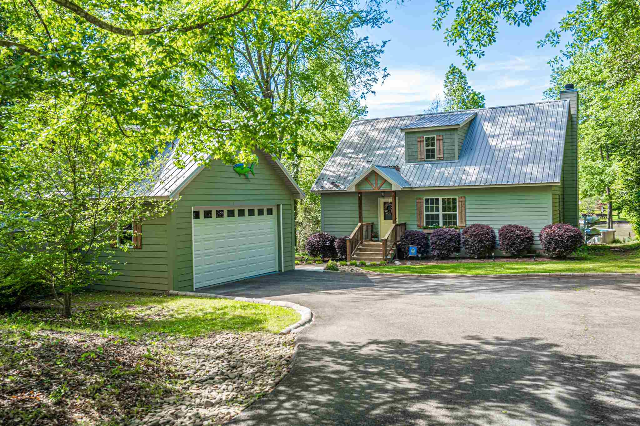 136 SANDY BEACH ROAD, Lake Sinclair in Baldwin County, GA 31081 Home for Sale
