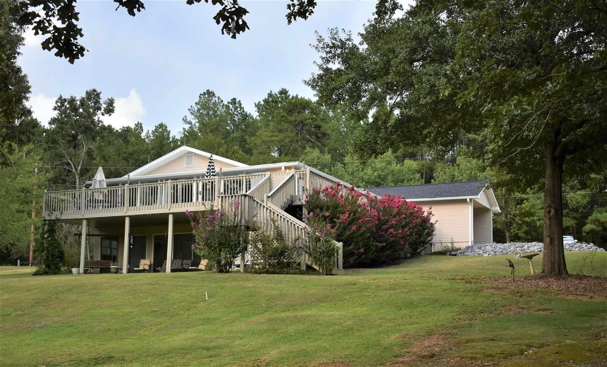 162 TWISTING HILL ROAD, Lake Sinclair, Georgia
