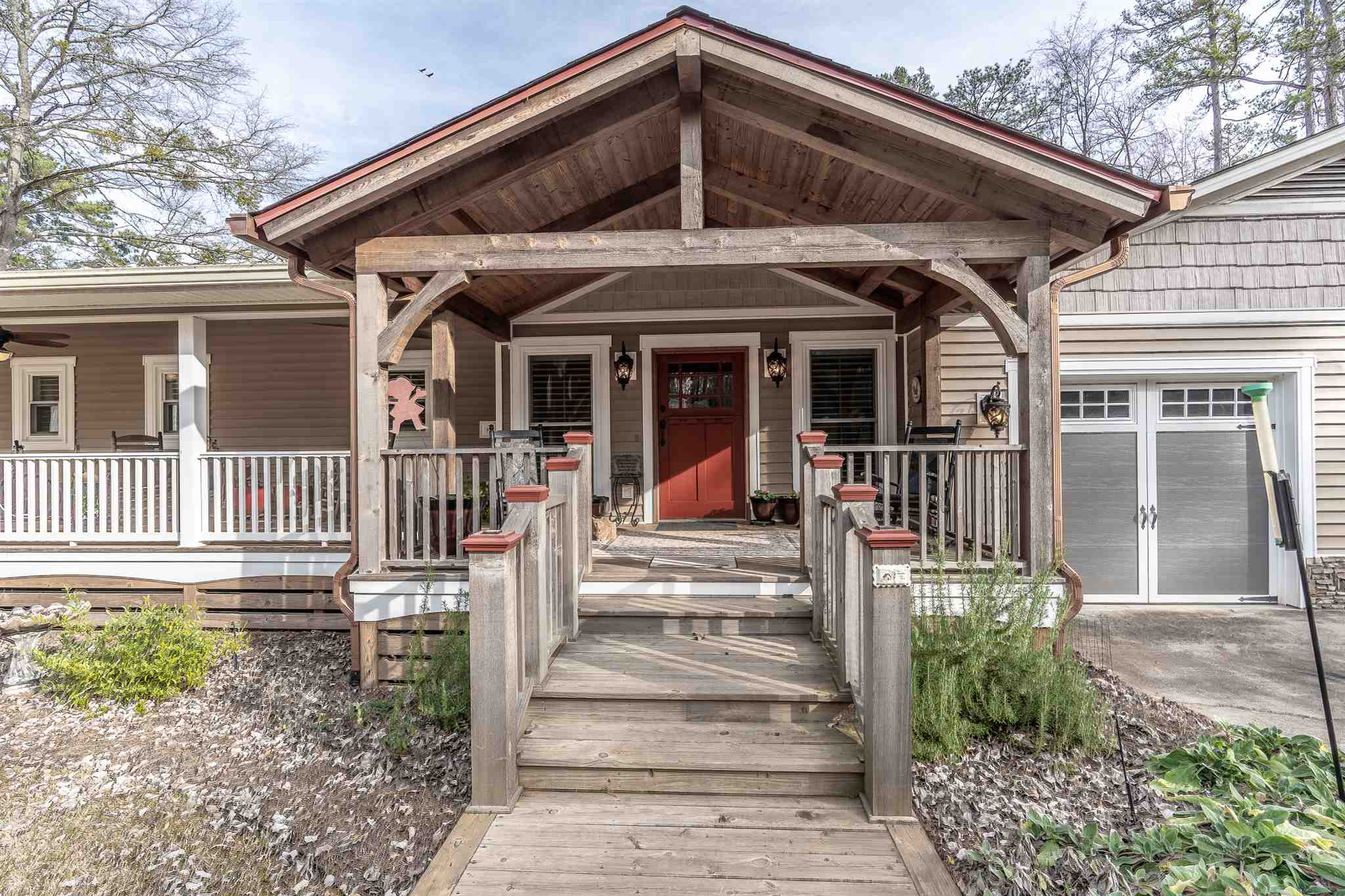 110 SW BASS ROAD, Lake Sinclair in Putnam County, GA 31024 Home for Sale