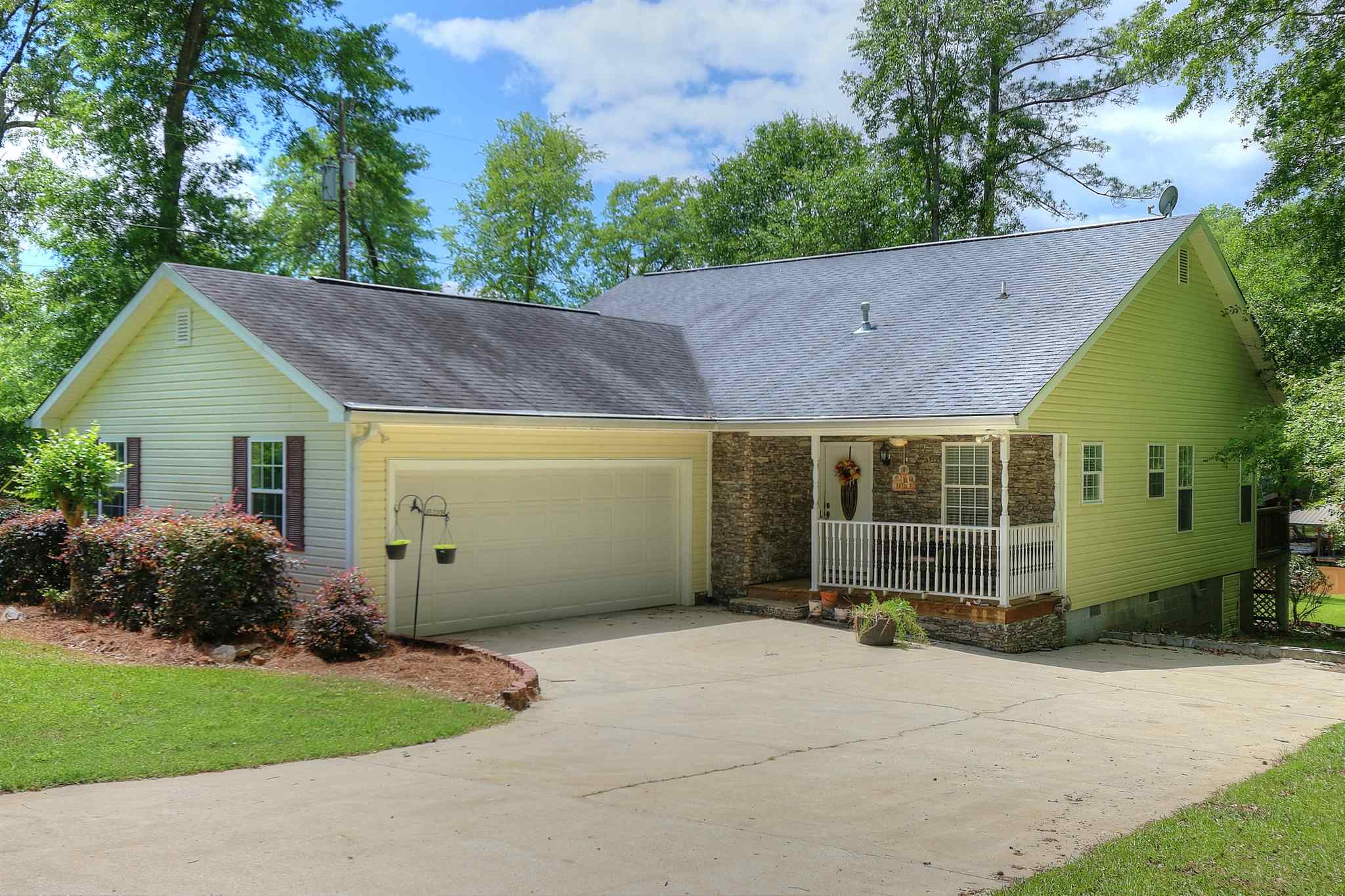 136 NAPIER MILL ROAD, Lake Sinclair in Putnam County, GA 31024 Home for Sale