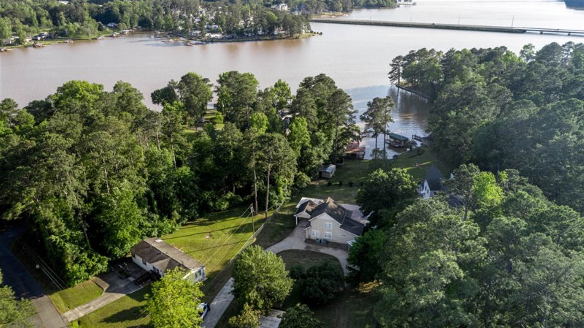 160 MAYS ROAD, Lake Sinclair in Putnam County, GA 31061 Home for Sale