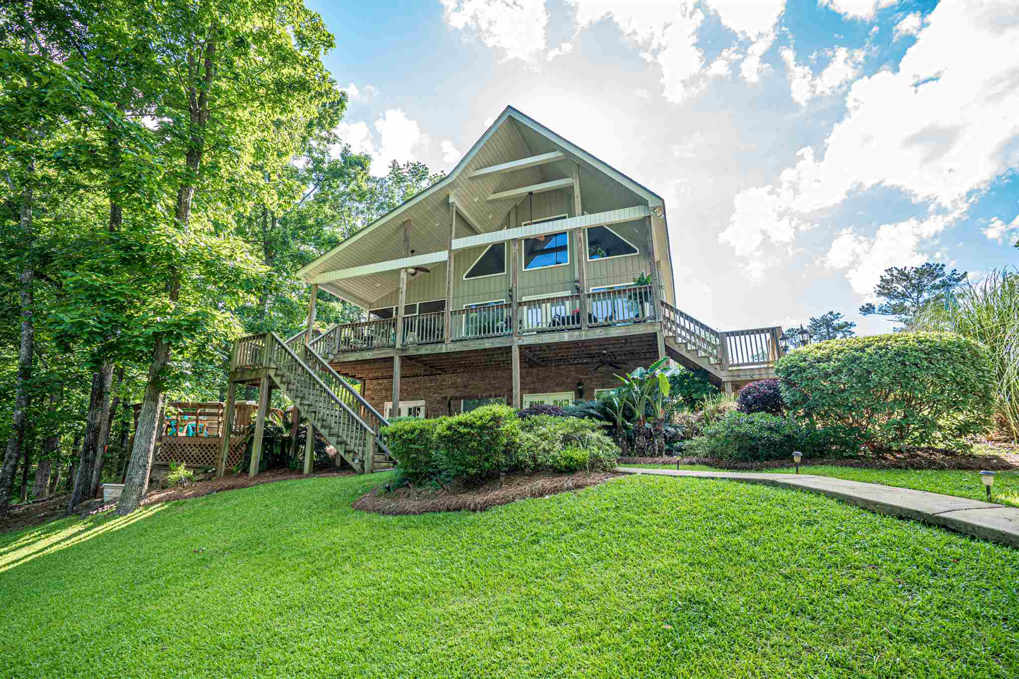 324 SHELTON DRIVE, Lake Sinclair in Putnam County, GA 31024 Home for Sale