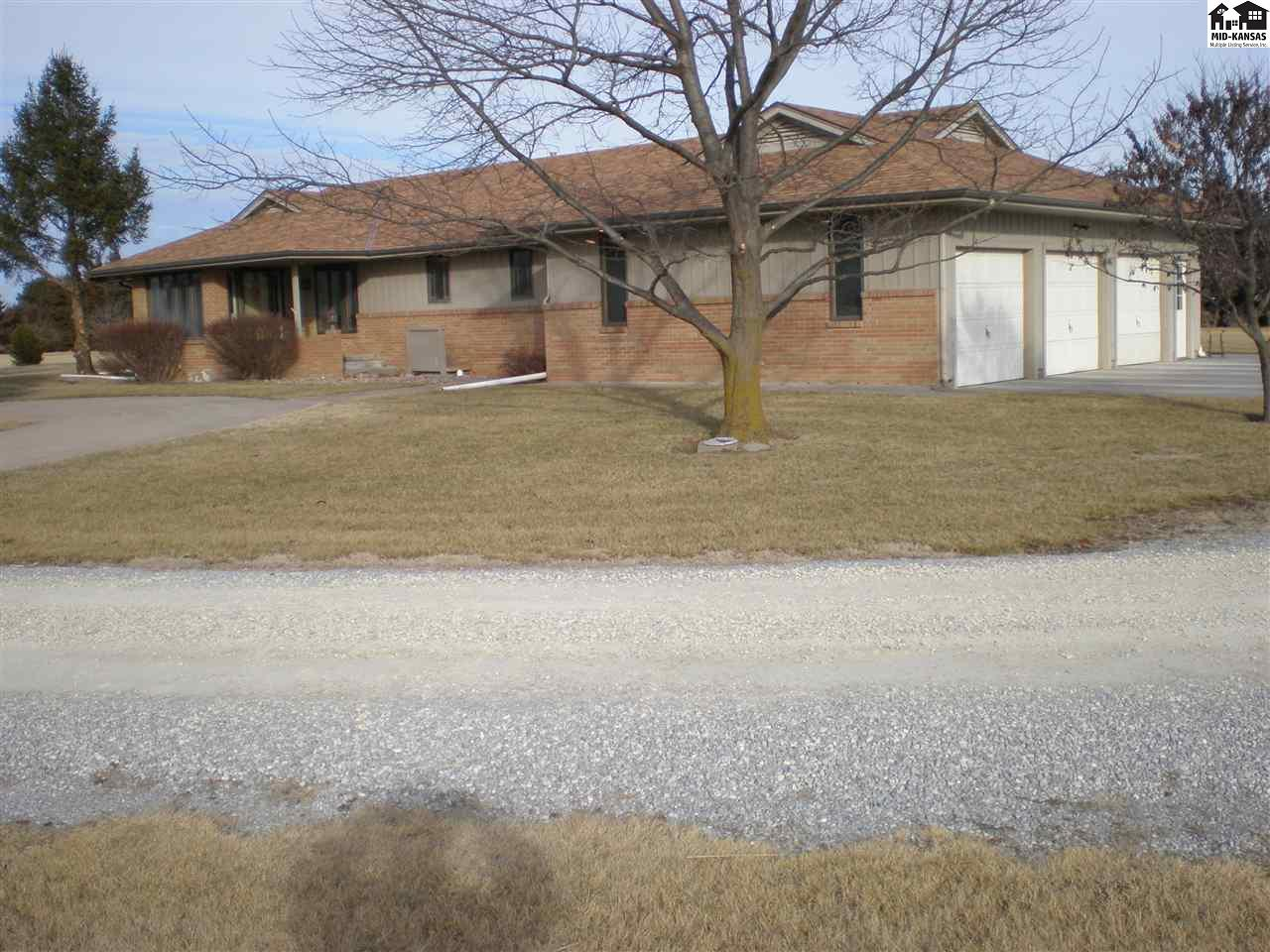 1765 Kiowa Rd, McPherson, KS 67460