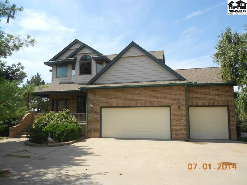 1421 Pioneer Rd, McPherson, KS 67460