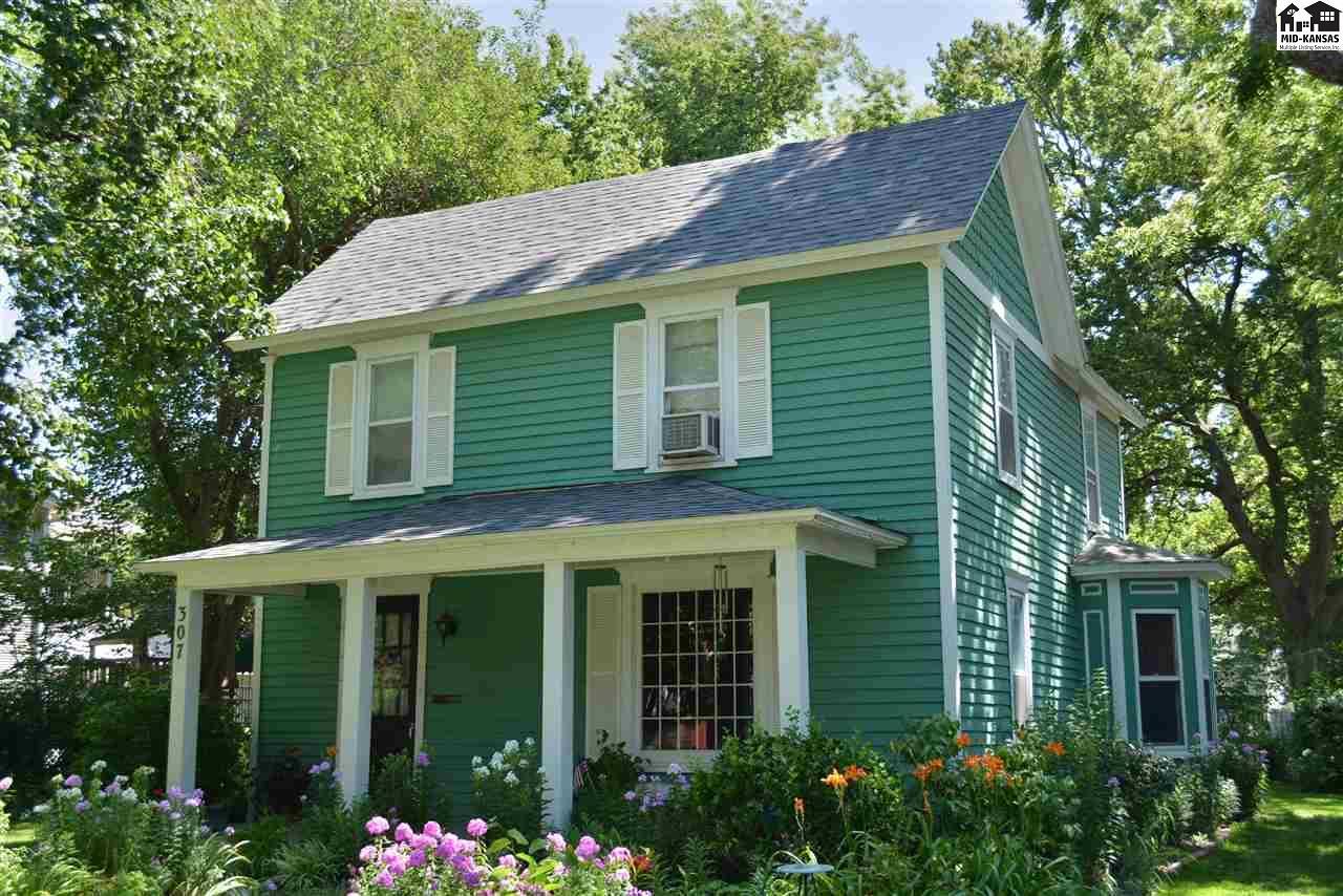 307 S Walnut St, McPherson, KS 67460