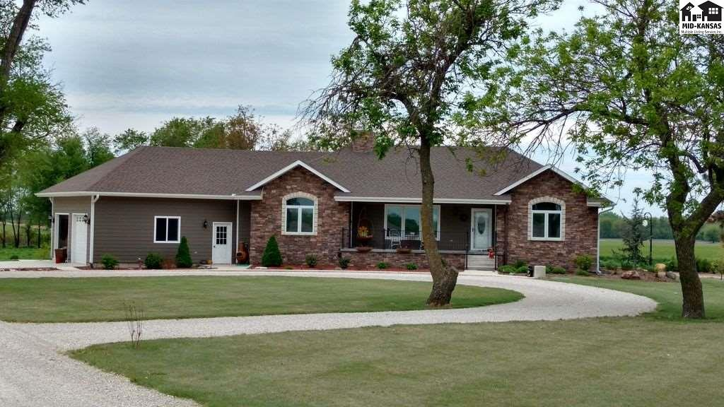375 Cherokee Rd, Inman, KS 67546