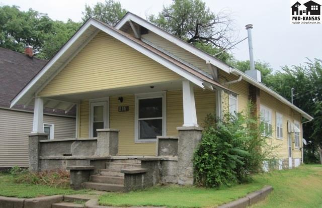 208 S Plum St, Hutchinson, KS 67501