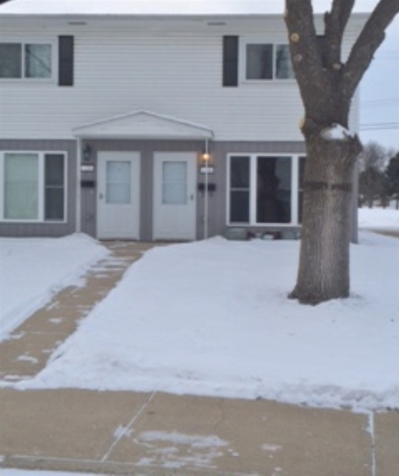 24 SW Westfield Circle, Minot, ND 58701