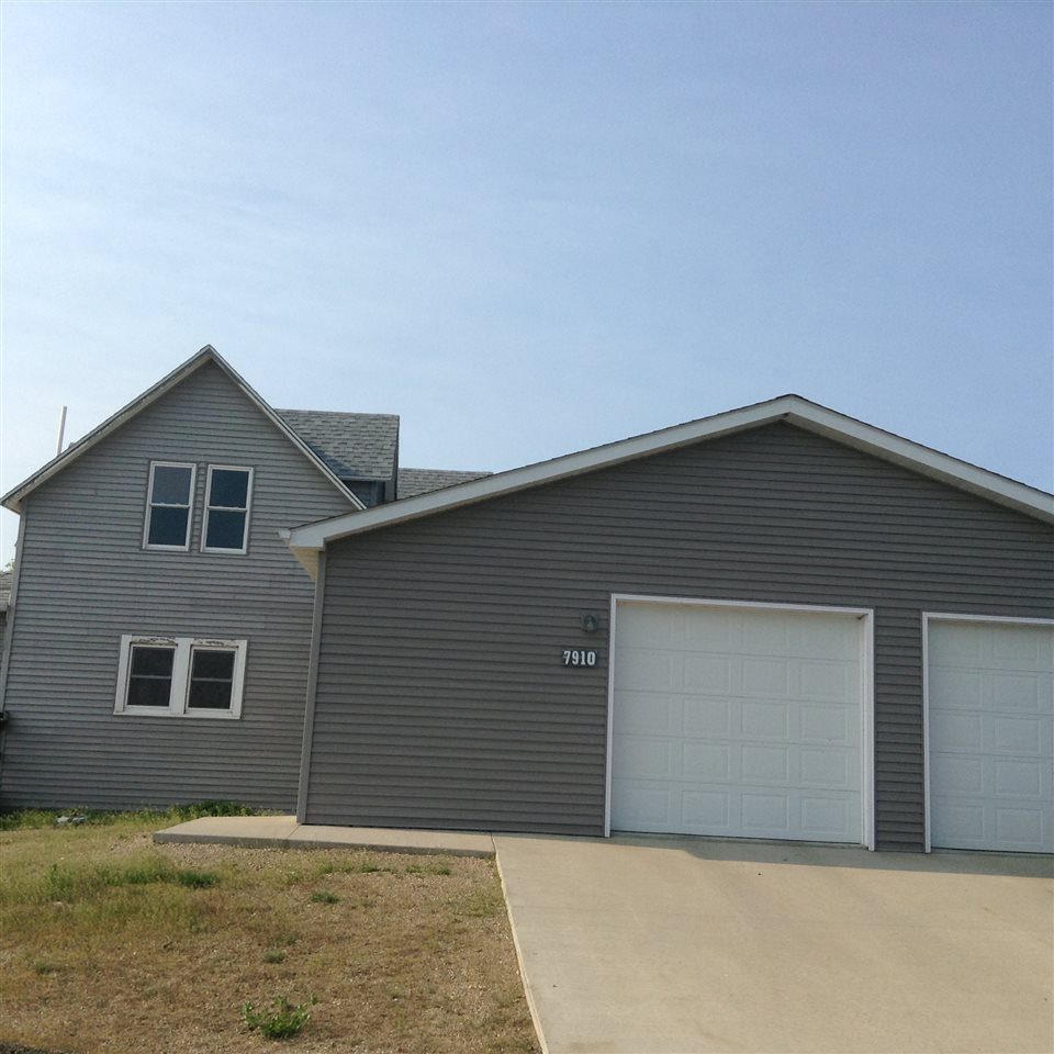 7910 NW 43rd Ave, Carpio, ND 58725