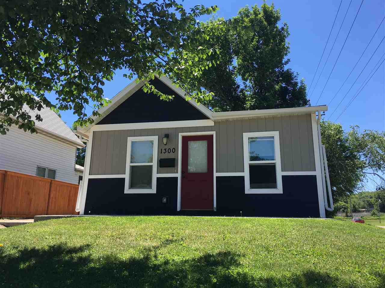 1300 SE 5th Ave, Minot, ND 58701